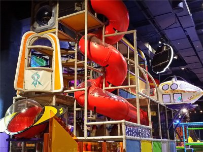 兒童室內淘氣堡具有哪些經營優勢疑问化?